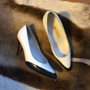 70s Vintage White and Blue Gucci Pumps